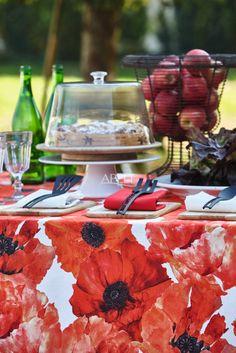 Tischdecke mit Mohnblüten (von APELT STOFFE)