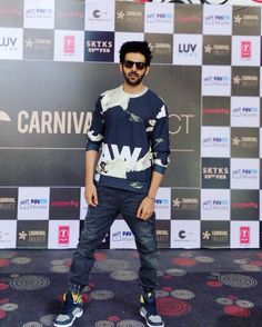 Indian Bollywood, Bollywood Stars, Bollywood Fashion, Bollywood Celebrities, Bollywood Actress, Entertainer Of The Year, Ensemble Cast, Celebrity Biographies, Cute Actors