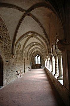 Le cloître de la cathédrale de Elne.