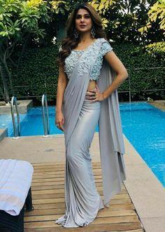 Saree Designs Party Wear, Party Wear Sarees, Dress Designs, Trendy Sarees, Stylish Sarees, Simple Sarees, Saree Gown, Lehenga, Sabyasachi Sarees
