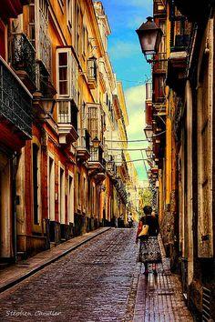 Street in Cadiz, Andalusia, Spain  ~~ For more:  - ✯ http://www.pinterest.com/PinFantasy/viajes-espa%C3%B1a-en-im%C3%A1genes/