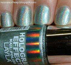 Layla Hologram Effect Nail Polish in Jade Groove