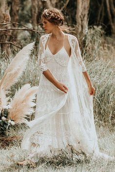 The most romantic boho wedding dresses every bride will want.- The most romantic boho wedding dresses every bride will want right now The most romantic boho wedding dresses every bride will want - Boho Wedding Dress With Sleeves, Bohemian Wedding Dresses, Bohemian Weddings, Indian Weddings, Free People Wedding Dress, Boho Gown, Country Weddings, Romantic Weddings, Unique Weddings
