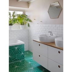 This is insane! Love, love, LOVE this bathroom! Repost from Our Dandelion tiles for the win 🧤