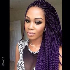 All styles of box braids to sublimate her hair afro On long box braids, everything is allowed! For fans of all kinds of buns, Afro braids in XXL bun bun work as well as the low glamorous bun Zoe Kravitz. Purple Braids, Purple Hair, Violet Hair, Black Braids, Dark Purple, Senegalese Twist Hairstyles, Braided Hairstyles, Senegalese Twists, Cornrows
