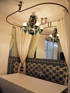 photos dcoration de salle de bain oriental blanc vert baignoire classique de galbobain http - Salle De Bain Orientale Design