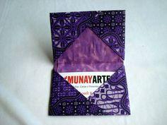 Porta Cartão de Visitas Grafismo Roxo  www.munayartes.com