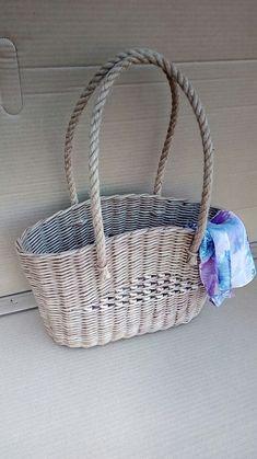Wicker Baskets, Newspaper, Straw Bag, Weaving, Bags, Decor, Handbags, Decoration, Journaling File System