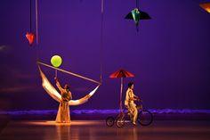 Grupos como o Balé Teatro Castro Alves, Balé Jovem de Salvador e Grupo de Dança Contemporânea da UFBA se apresentam durante a semana