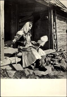 Postcard Umgegend von Zagreb Kroatien, Frau mit Spindel