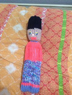 Muñeco de lana hecho con el telar