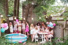 A Pastel Pool Party With Bicyclette Boutique | theglitterguide.com