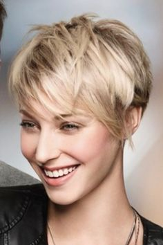 We collect some cool and simple short haircuts, that will helps you for pretty look. If you need a brand new look, check these new short haircuts Stylish Short Haircuts, Short Hairstyles For Women, Straight Hairstyles, Short Straight Hair, Short Hair Cuts, My Hairstyle, Pretty Hairstyles, Black Hairstyles, Braids With Shaved Sides