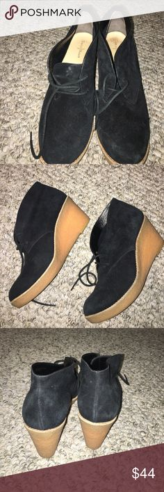 Kenneth Cole wedge Suede with rubber bottom one or two wear fab Cole Haan Shoes Wedges