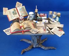 miniature witch's living study table... omg I LOVE THIS!!!!