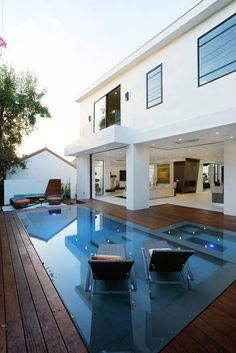 Modern dream home in Los Angeles: 6352 Colgate