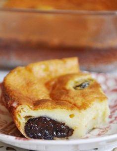 Far Breton ~ Prune Clafoutis from Brittany Desserts With Biscuits, Köstliche Desserts, Delicious Desserts, Dessert Recipes, Chefs, Paris Food, French Patisserie, French Pastries, Sweet Tarts