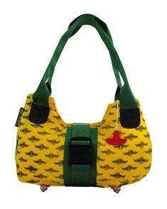 Bag to life Upgrade ladies bag groen - Hippe damestas van upcycled reddingsvesten en vliegtuiggordels. De lampjes van het reddingsvest zijn de voetjes van deze tas.