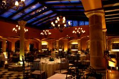 Patio acristalado Chandelier, Ceiling Lights, Patio, Lighting, Home Decor, Hotels, Restaurants, Spaces, Places