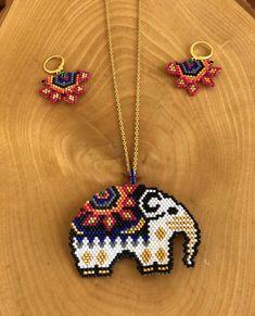 Peyote Beading Patterns, Loom Bracelet Patterns, Seed Bead Patterns, Bead Loom Bracelets, Loom Beading, Bead Jewellery, Bead Earrings, Beaded Jewelry, Beaded Necklace