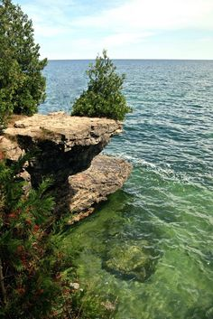 Cave Point County Park, Door County, Jacksonport, WI (people jumping off rocks, into Lake Michigan in this spot) Aug 2015 Door County Wisconsin, County Park, Oh The Places You'll Go, Places To Travel, Places To Visit, Travel Destinations, Vacation Spots, Greece Vacation, Vacation Places