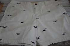MENS HOLLISTER SEAGULL SHORTS BUTTON FLY SIZE 34 ~ Cream with Blue Seagulls  #Hollister #CasualShorts