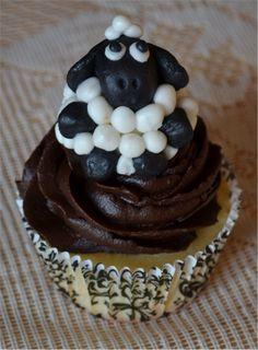 Sheep cupcake Sheep Cupcakes, Desserts, Food, Tailgate Desserts, Meal, Dessert, Eten, Meals, Deserts