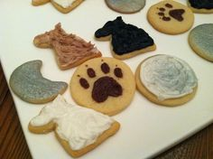 Teen Wolf Cookies | Easy cookie designs for a Teen Wolf party, featuring wolves, a full moon, paw prints, and more
