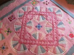 February 4 - Check Out Today's Featured Quilts on 24 Blocks! - 24 Blocks. xox