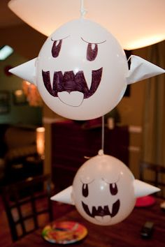 "Ghost ""Boo"" balloons"