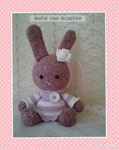 Crochet Bunny, Crochet Animals, Crochet Toys, Free Pattern, Hello Kitty, Teddy Bear, Knitting, Hats, Ravelry