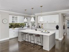 hamptons style kitchen from metricon bayville display home