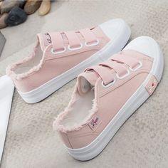 Cute Sneakers, Sneakers Mode, Casual Sneakers, Cute Shoes, Sneakers Fashion, Casual Shoes, Fashion Shoes, Ladies Sneakers, Women's Casual