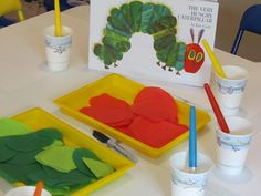 The very hungry caterpillar activities - A wonderful collection of Eric Carle books and activities – The very hungry caterpillar activities Preschool Literacy, Preschool Books, In Kindergarten, Preschool Crafts, Teach Preschool, Crafts For Kids, Eric Carle, Hungry Caterpillar Activities, Very Hungry Caterpillar