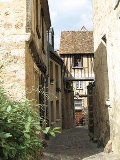 Le Mans - old town  http://west.france-province.net/LeMans-photos.html