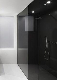 Rustic Modern Espace St-Denis House by Anne Sophie Goneau Free Interior Design, Bathroom Interior Design, Bad Inspiration, Bathroom Inspiration, Toilette Design, Appartement Design, Interior Minimalista, Glass Shower Doors, Beautiful Bathrooms