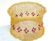 SARA SHAHAK - jewelry gallery knit