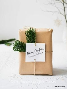 Scandinavian christmas decoration in black and white and diy gift wrapping ideas – duni.cheri Scandinavian christmas decoration in black and white and diy gift wrapping ideas Scandinavian christmas decoration in black and white and diy gift wrapping ideas Christmas Gift Wrapping, Diy Christmas Gifts, Christmas Time, Black Christmas, Christmas Carol, Christmas Quotes, Modern Christmas, Christmas Kingdom, Holiday Gifts