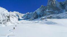 #Montblanc - c'est un paysage #blanc où le seul tracé que vous pouvez voir ce sont les empreintes de ses chanceux Ski Freeride, Chamonix, Best Skis, Mount Everest, Skiing, World, Nature, Travel, Mountains
