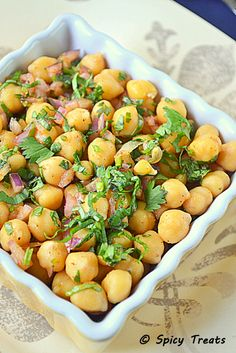 Cilantro Lime Chickpea Salad - made tonight with dinner. North Indian Recipes, South Indian Food, Indian Food Recipes, Vegetarian Recipes, Healthy Recipes, Easy Baking Recipes, Cooking Recipes, Clean Eating, Healthy Eating