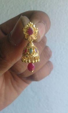 Gold Jhumka Earrings, Jewelry Design Earrings, Gold Earrings Designs, Gold Jewellery Design, Beaded Jewelry, Pearl Jewelry, Gold Necklace, Gold Earrings For Women, Mens Gold Jewelry
