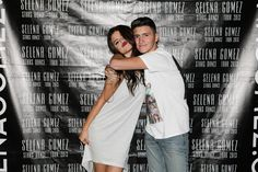 Selena Gomez Meet & Greet With Fans in Milan, Italy (September 16) — Selena Gomez Fansite