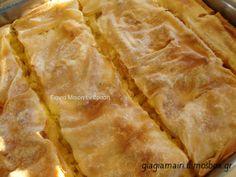 Μακαρονόπιτα Snack Recipes, Snacks, Greek Recipes, Apple Pie, Chips, Bread, Cooking, Desserts, Food