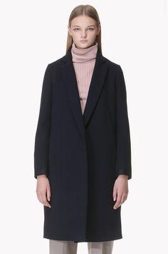 Diagonal seam detailed long coat