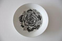Musta ruusu (Black rose) by Esteri Tomula for Arabia