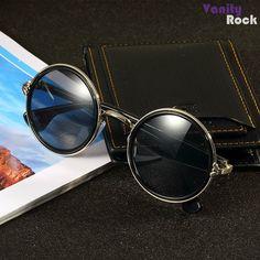 Óculos Redondo com Detalhes em Metal Prata.  Compre Online: www.vanityrock.com.br