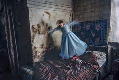 Photographer conveys the loneliness of ex-prisoners in Kazakhstan