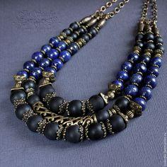 Colliers, perles à la main.  Foire des Maîtres - fait à la main.  Acheter Collier de lapis-lazuli et shungite Blue whirlpool.  Fait à la main.  Bleu