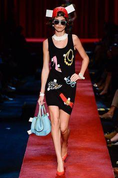 Moschino Spring 2017 Ready-to-Wear Fashion Show