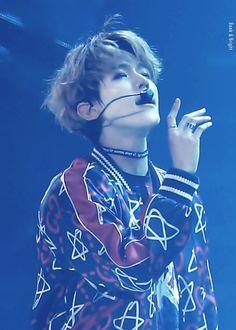 He is so beautiful, can he just stop kljlökohvkh #Baekhyun #heartattack